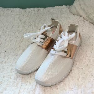 White Fashion Sneakers With Rose Gold Features